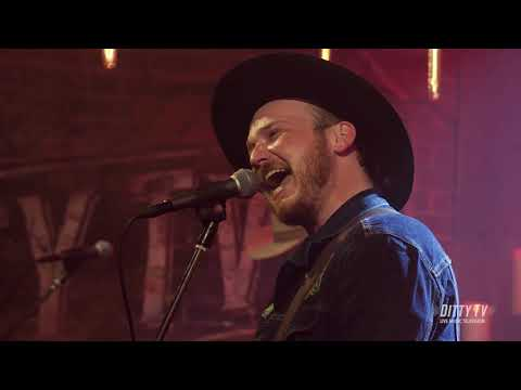 "Vandoliers Perform ""Cigarettes In The Rain"" On DittyTV"