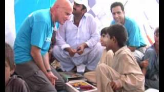 MaximsNewsNetwork: PAKISTAN SUKKUR FLOOD AID by UNICEF