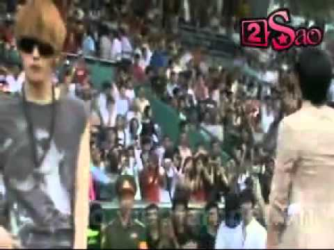 [2Sao][2011.06.15] JYJ in Vietnam - Asian Dream Cup Opening - Be My Girl and Empty (Remix)