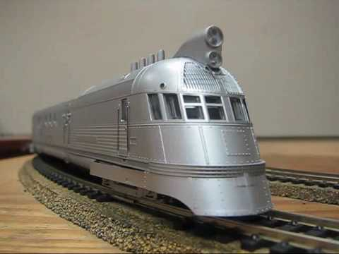 "Con-Cor ""HO"" / ""N"" Twin Headlight Zephyr Model Train"