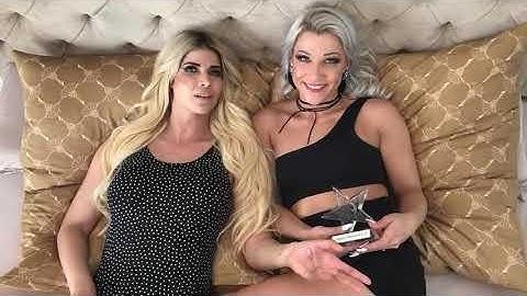 Micaela Schäfer: Sexy Pokal-Übergabe mit Aby Action