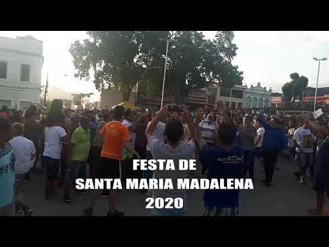 O MASTRO SENDO ERGUIDO NA FESTA DE SANTA MARIA MADALENA 2020