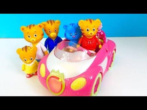 REMOTE CONTROL Musical Strawberry Shortcake Car Ride With DANIEL TIGER TOYS!