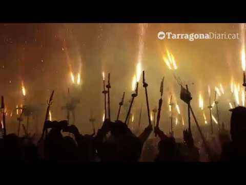 Cercavila de foc dels balls de diables tradicionals de Catalunya a Tarragona