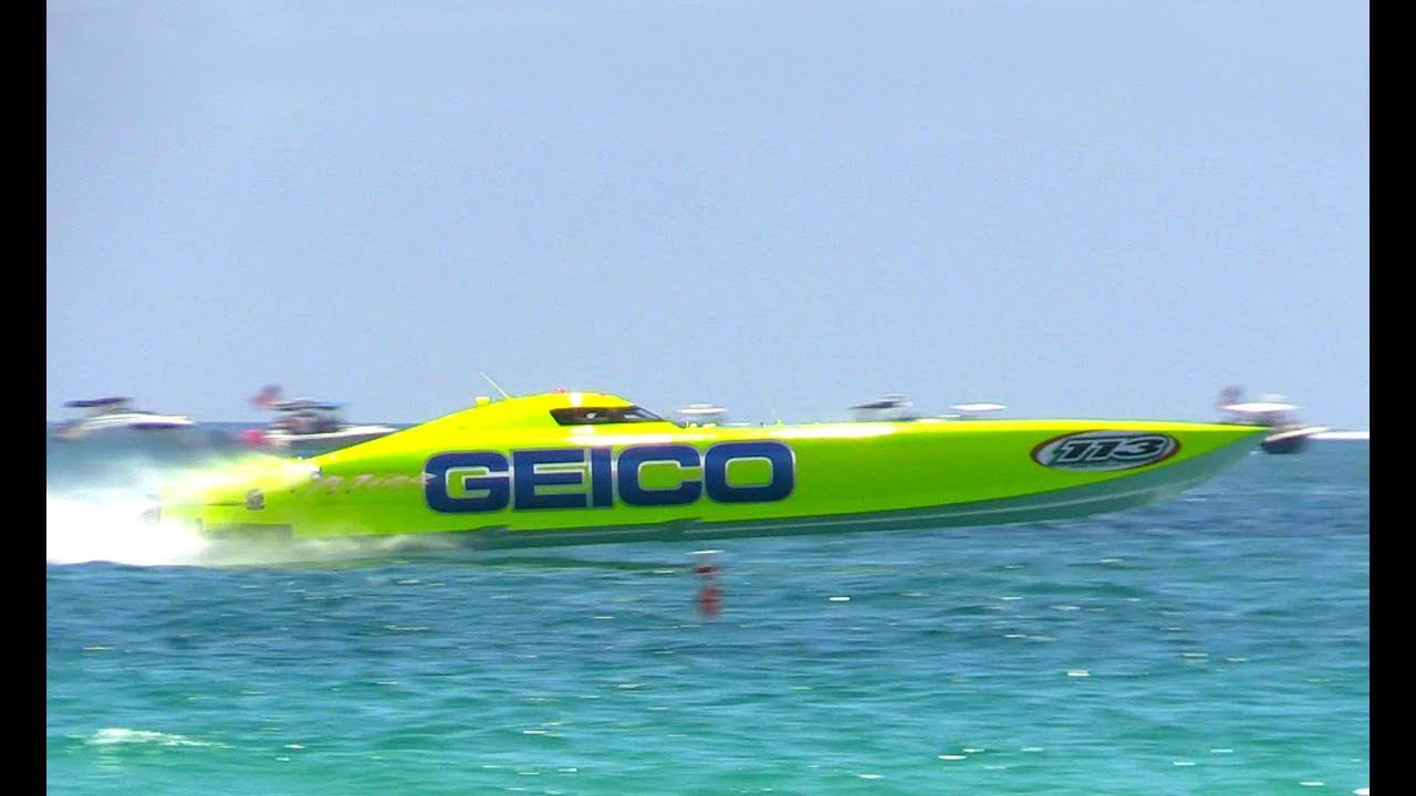 Miss Geico World Champion Offshore Racing Boat, Miami Beach Air Show, 2017 - YouTube