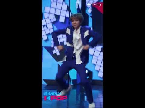 [Fancam/직캠] Lim Youngmin(임영민) _ YDPP _ LOVE IT LIVE IT _ Simply K-Pop _ 042018