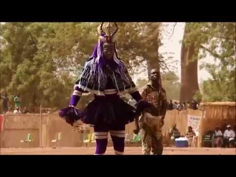 Фольклорная группа из Буркина- Фасо,зажигает под украинскую застольно свадебную песню ПРИКОЛ