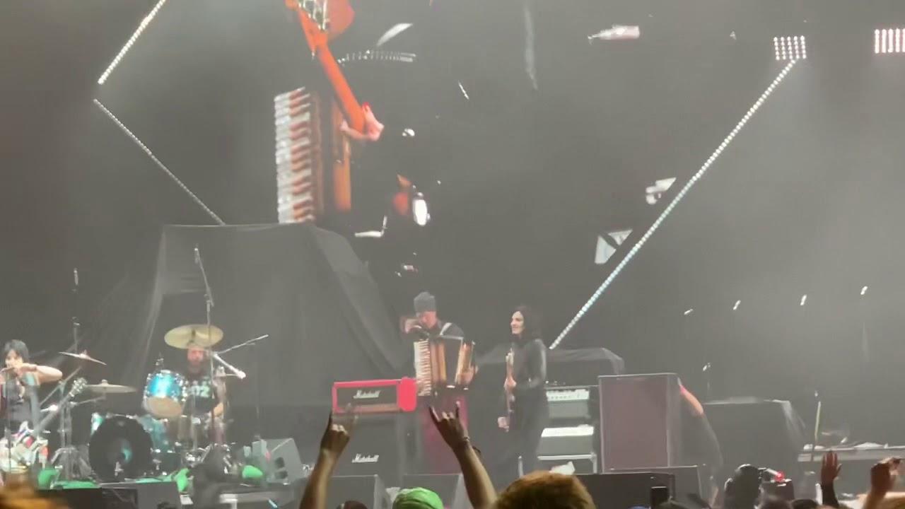 Foo Fighters Reunite Nirvana at Cal Jam 2018: Watch | SPIN