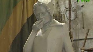 Спикер гордумы Александр Фетисов побывал в мастерской, где создается памятник Женщине(, 2015-08-17T06:31:12.000Z)
