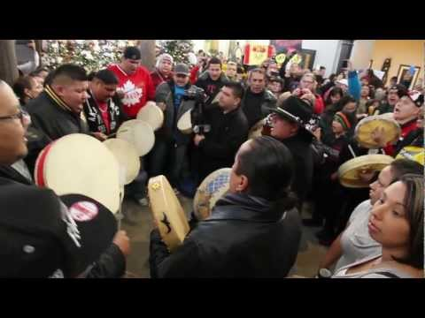 Idle No More St.Vital Shopping Centre Winnipeg December 26 2012 #IdleNoMore