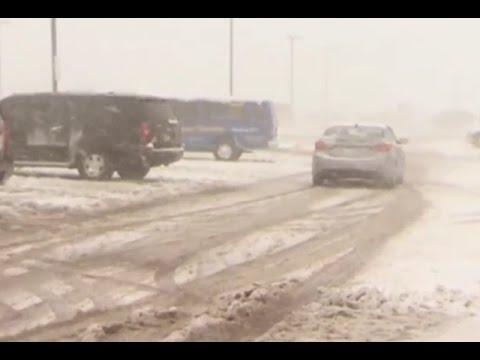 พิษ!พายุหิมะถล่มสหรัฐ กระทบ 738 เที่ยวบิน