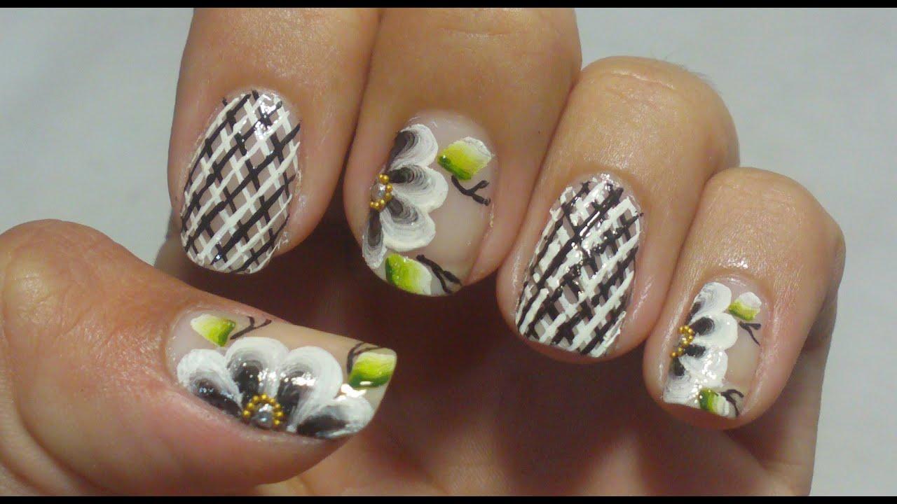 Unhas Express Decoraç u00e3o Xadrez Com Flor Manual Bela e Simples Nail Art YouTube -> Decoração De Unha Simples E Facil