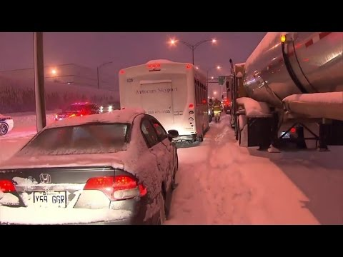 Drivers stuck on Montreal highway 13 for hours