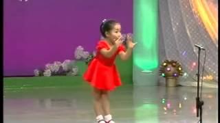 ילדה קטנה שרה אופרה!!