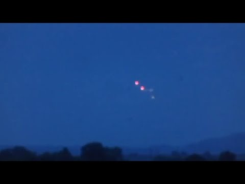 UFOs Sighted Over Shaftesbury, England ( September 15, 2018 )