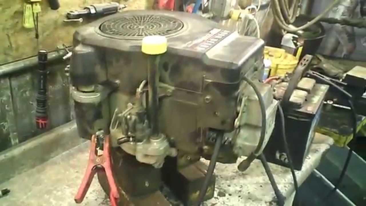 LOT 1794A John Deere LT133 Engine Compression Test 13hp Kohler