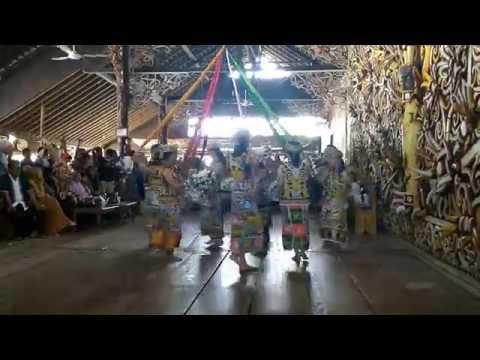 Tari Dayak Kalimantan Timur - Desa Wisata Pampang (1)
