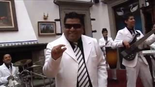 "Amarte a la antigua ""SUPER AUTO"" video clip"
