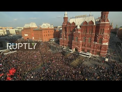 LIVE: Muscovites rally for St. Petersburg blast victims