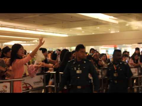 SID Arrival; 22/05/13 @ Singapore (HD)
