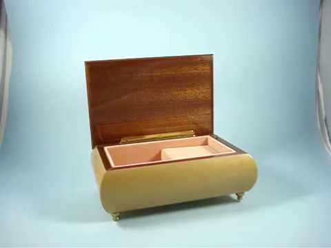 Oh Sole Mio  - Vintage Wooden Jewellery Box
