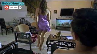 ibu Rumah Tangga Dengan Pizza Boy - Film Pendek (SUBTITLE INDONESIA)