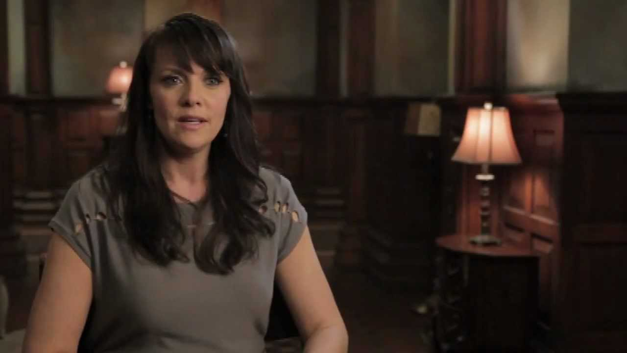 Amanda Tapping X Files the amanda cam: a day in the life of amanda tapping