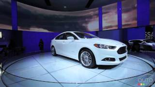 2013 Ford Fusion Hybrid at Detroit Auto Show