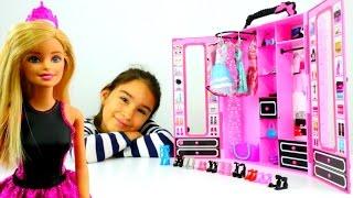 Kız çocuk için oyun videosu. Barbie bebek giydirme ve süsleme oyunu, Barbie partiye gidiyor!