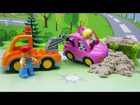 Видео для детей с игрушками. Игрушечные мультики про машинки - Спешка! Развивающие мультфильмы