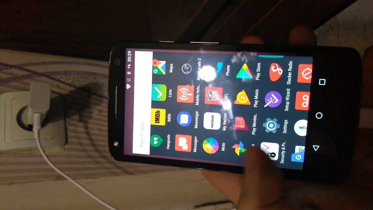 Motorola Droid Turbo 2 XT1585 32GB, problems with charging, screen burnt  strips