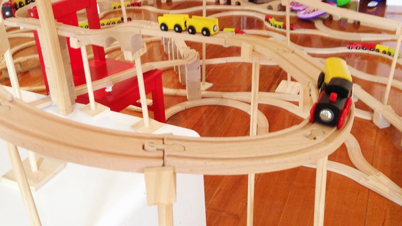huge kids wooden train set video with chugging brio toy engine youtube. Black Bedroom Furniture Sets. Home Design Ideas