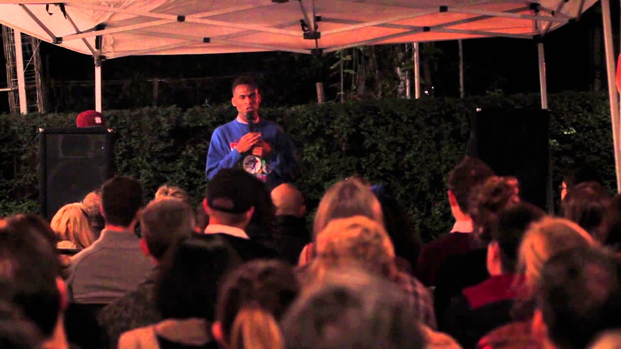 Comedy in the Alley: Chris Robinson - YouTube