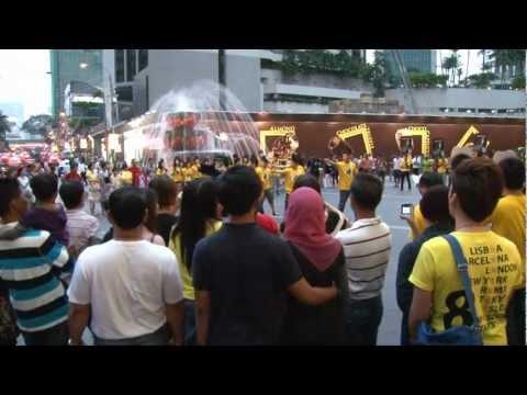 Bruno Mars Unorthodox Jukebox Flash Mob
