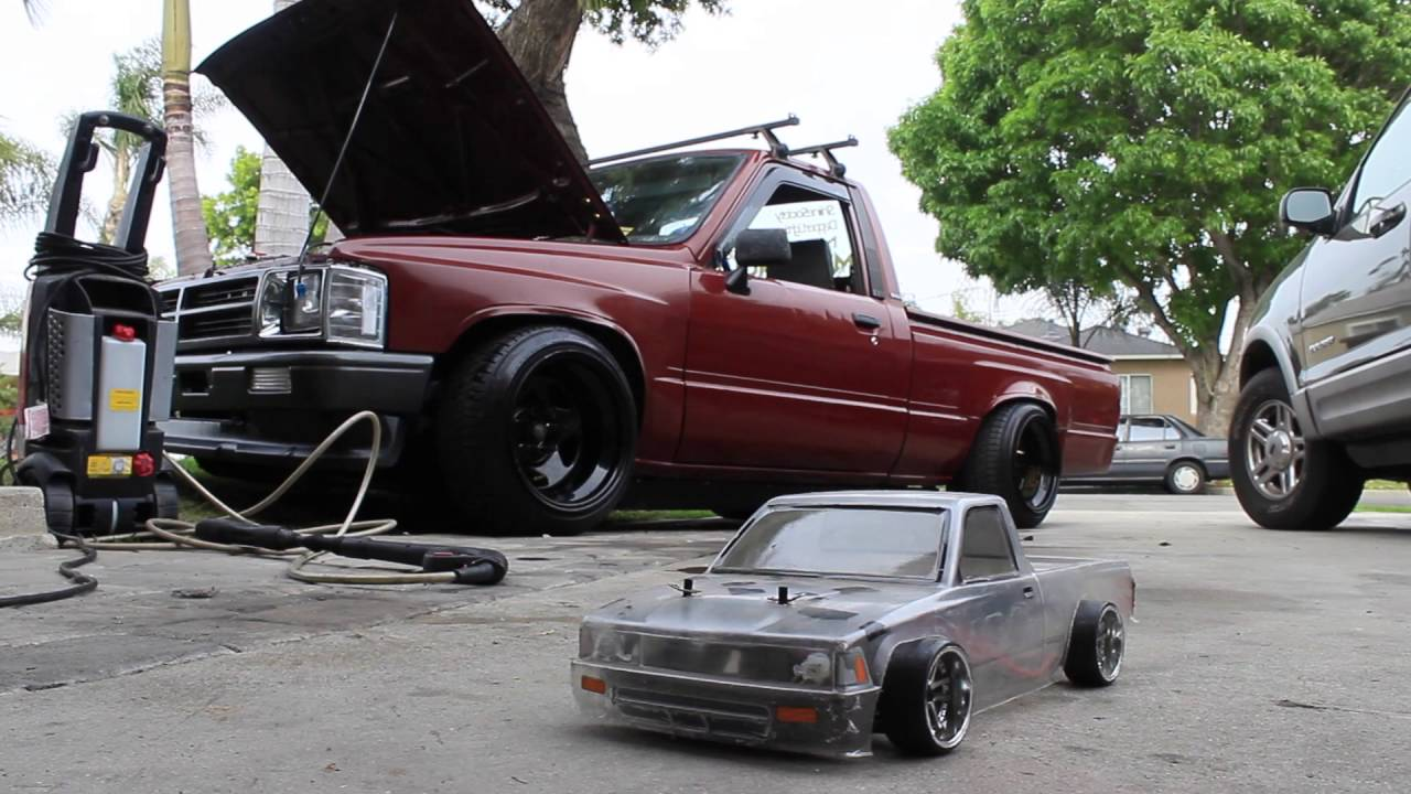 Shakotan 1987 Toyota Hilux - YouTube