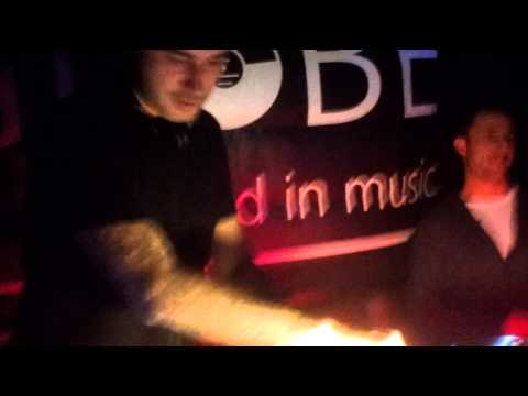 Sean Tyas feat. Lo- Fi Sugar - The World @ The Globe Newcastle