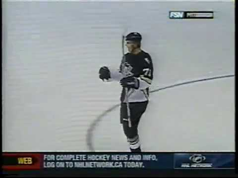 Evgeni Malkin earns assist in his first preseason game for Penguins (2006)