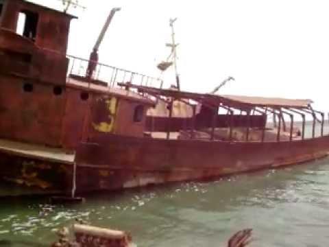 Shipwrecks ready for scrap