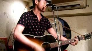 松本隆博のデビュー曲 決してギャグソングではないのだ。