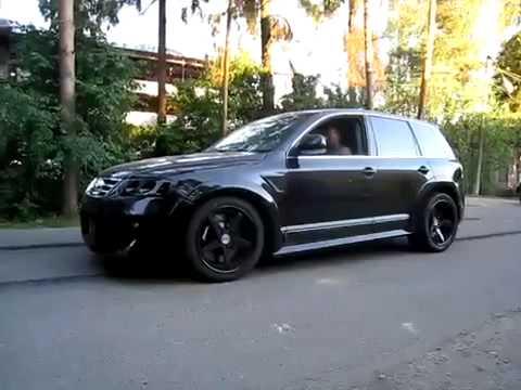 Тюнинг и дым из под колёс VW Touareg W12
