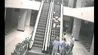 מדרגות נעות תאונת עבודה