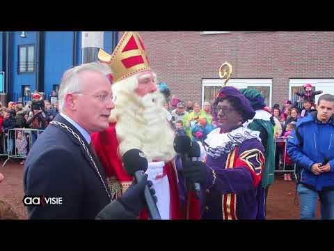 Zelfs de regen houdt Sinterklaas niet tegen. Aankomst Sinterklaas in Almelo 2017