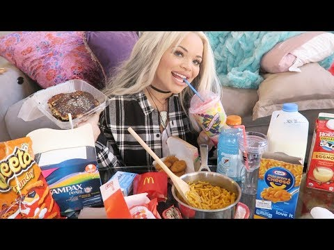 what I eat on my period (mukbang) | junk food eating show