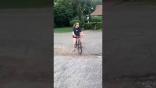 When your mom tries to ride a bike