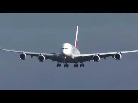 Emirates a380 airbus landing in heavey wind in german