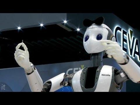הרובוטית הזאת הגישה לנו קפה