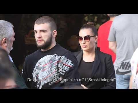 EKSKLUZIVno - Ceca Ražnatović skrhana bolom' Kume, prerano si nas napustio' - 30.10.2018.