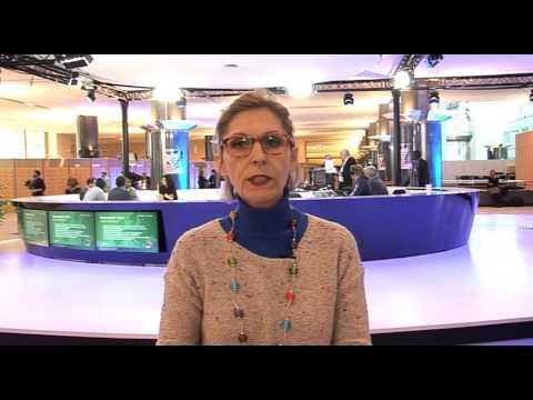 Beatriz Becerra MEP supports PMOI members in Camp Liberty