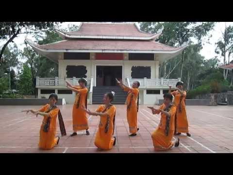 Múa HOA ĐẸP CHAMPA - Biên Đạo Múa Ngọc Dung - MVI 0479