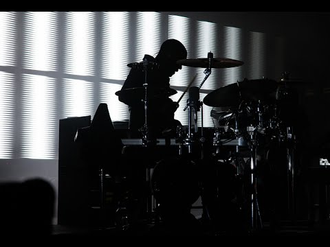 Massive Attack - Angel (Live - OnBlackHeath Festival 2014)